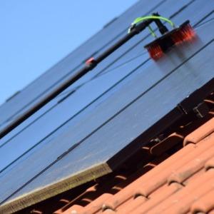 Rengörning solceller